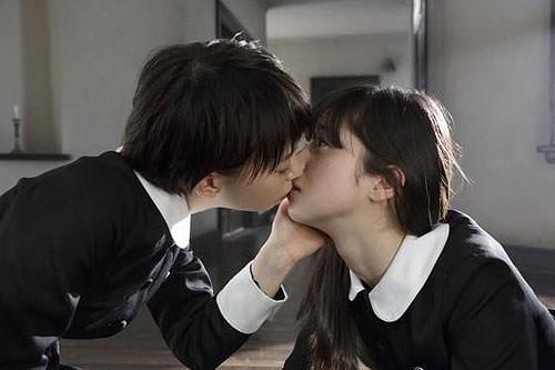 中条あやみ 森川葵 キスシーン画像