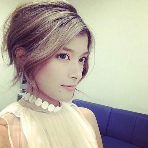 ローラ 髪 画像