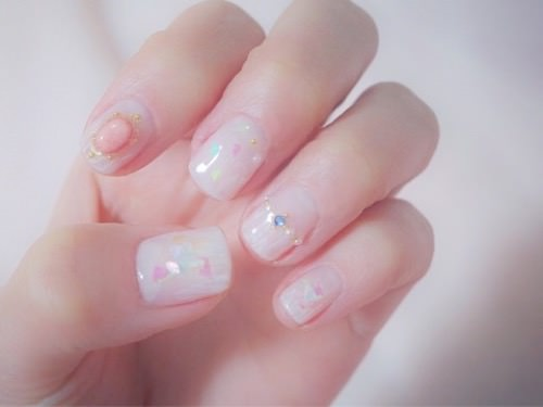 Nail left hand
